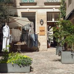 Discover the flea market atmosphere in our Parisian shop in «Le Marais»! 23 rue Vielle du Temple 75004Check our new items and how our designer would wear the new collection look on 45R ONLINE shop (Link in bio) #45R#45RPM#jeans#indigo#cotton#madeinjapan#45r_official#fashion#45rparis#paris#tokyo#japan#france#lemarais#sainthonore#saintgermain#doublewoven#organiccotton