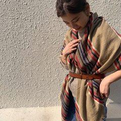 Enjoy layering & mix fabric!Rug Print Stole Model 161cm-----#45r #45r_tokyo #北千住 #fashion #sweater #stole #5118087 #5119107 @45r_official @45r_tokyo