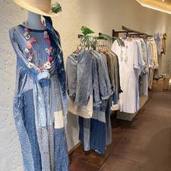 Beautiful day 45R family! We are looking forward to seeing you from today 👋🏻Our 3 parisians shops are open from 11am to 7pm.#45r_official #45rparis #45rpm #su21 #springsummer #newin #madeinjapan #japanesebrand #paris #reopening